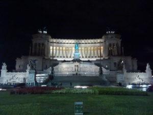 Monumento a Vittorio Emanuele II en Roma, lo primero que vi con la familia